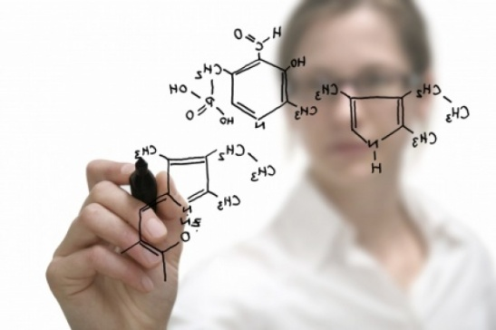 Chemical_compound_being_drawn_1_0[1]